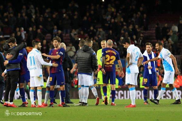 El Deportivo perdio duramente sobre el campo del Barcelona lo normal.
