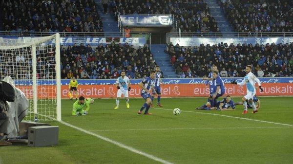 El Deportivo no levanta la cabeza y sigue su racha negativo de malo de resultado.