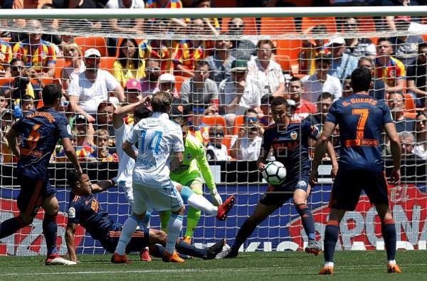 El Deportivo termina la temporada de la Liga con derrota en el campo del Valencia.