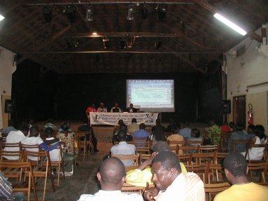 PLAIDER POUR LA REDUCTION DU COÛT DE L'EAU ET DE L'ELECTRICITE AU CAMEROUN
