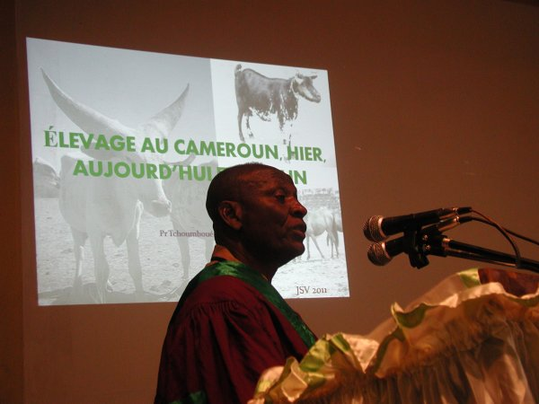 LE PROFESSEUR JOSEPH TCHOUMBOUE CELEBRE PAR LA COMMUNAUTE SCIENTIFIQUE