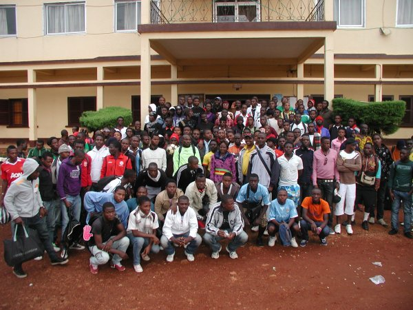 UN TOURNOI INTERNATIONAL DE DETECTION DE FOOTBALLEURS A DSCHANG DU 6 AU 20 AOÛT
