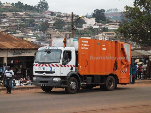 Un nouveau camion pour le ramassage des ordures dans la ville de Dschang