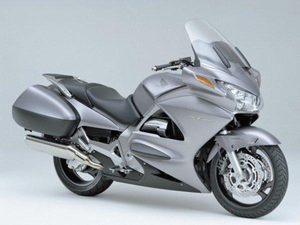 Honda ST1300A