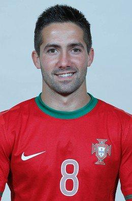 8 # João Moutinho
