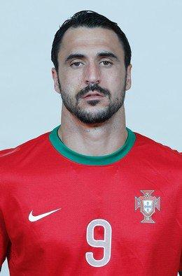 9 # Hugo Almeida