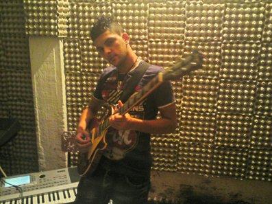 eric avec la guitar gibson