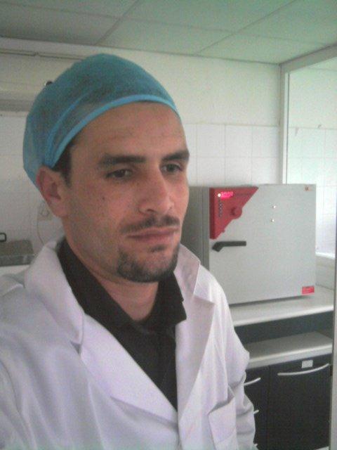 Au laboratoire des analyses agroalimentaire a fes