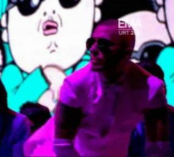 Participation de Layo Leyre au MTV EMA (11/11/2012)
