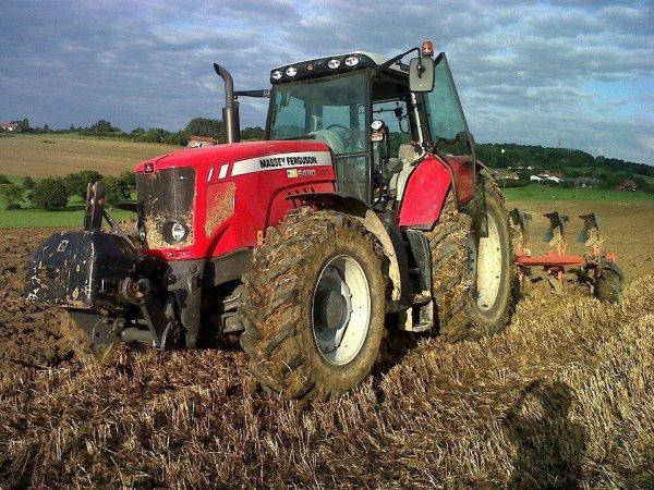 labour 2012 avec mf 6480et charue kuhn varie-master 152