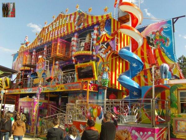 Américain Circus Les Barjos