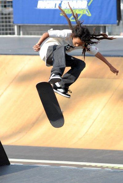 voisi un skater tro fort !!!!!!! un bète le mec