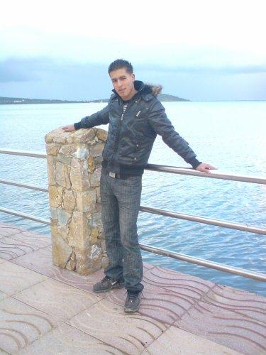 nador__viva__arif@hotmail.com