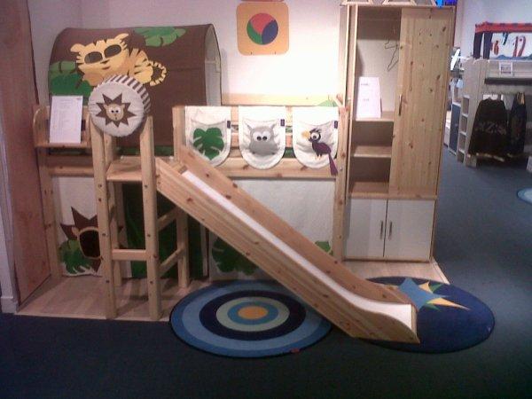 voici notre lit toboggan chambre modulable pour enfants. Black Bedroom Furniture Sets. Home Design Ideas