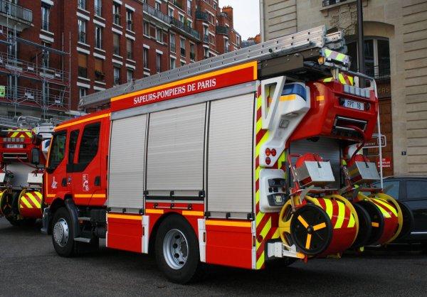 bspp 2012 d fil du 14 juillet photos de v hicules de sapeurs pompiers fran ais. Black Bedroom Furniture Sets. Home Design Ideas
