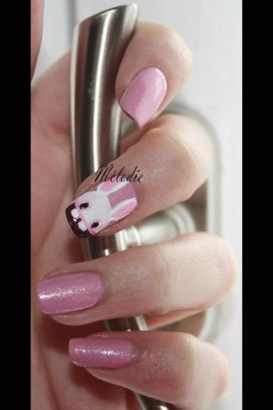 Nail art lapin crétin