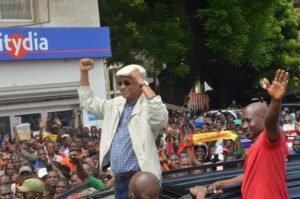 MEETING DE RATOMA : L'opposition guinéenne maintient le cap Vous êtes ici :