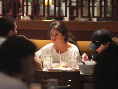 Les nouvelles photos de Selena sont arrivées ^^