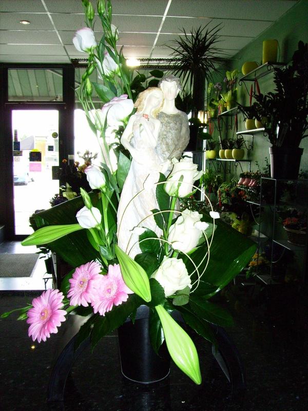 montage classique pour un mariage blog de fleurs laury. Black Bedroom Furniture Sets. Home Design Ideas