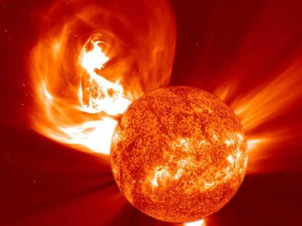 Un filament géant apparait sur le soleil : La Terre en Danger ?