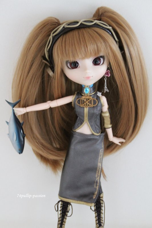 Pullip + Outfit  (2)