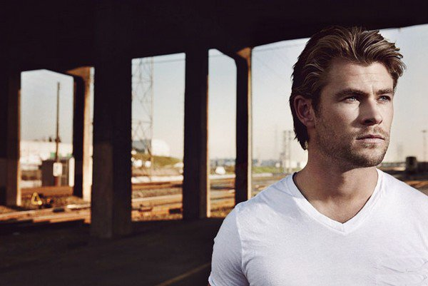 . 6 Juillet | Toutes les photos du 'shoot du magasine Men's Health de Chris viennent d'apparaitre..