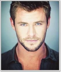 . 9 Octobre| Chris Hemsworth  fait la couverture du célèbre magazine PRESTIGE !  $) .