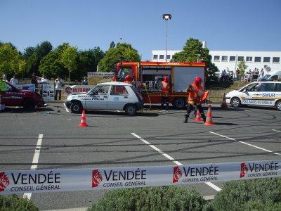 SIMULATION D'ACCIDENT AVEC INTER DES POMPIERS ET SAMU