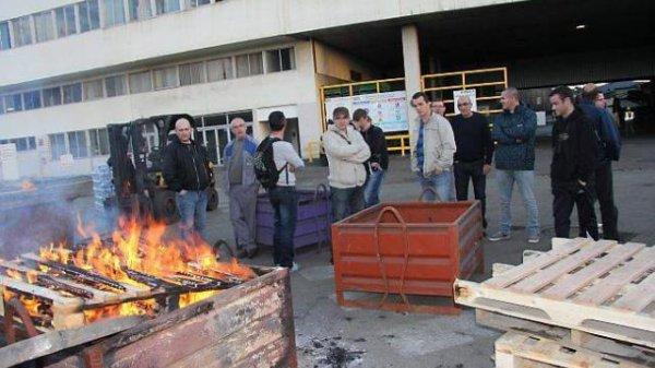 Malgré les embauches, la fonderie bloquée