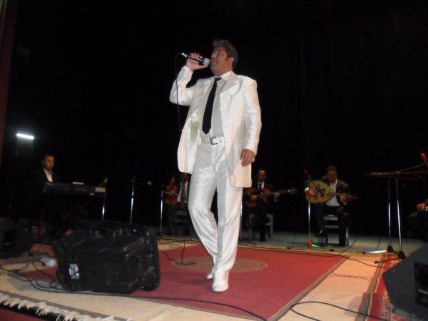 Chanteur Kamel SAOUDI....Dans Une Soirée Artistique