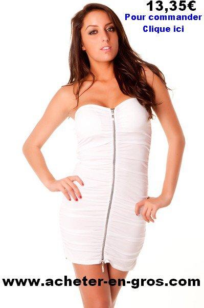 Jolie robe bustier avec fermeture sur la longueur. Le PAP pas cher.