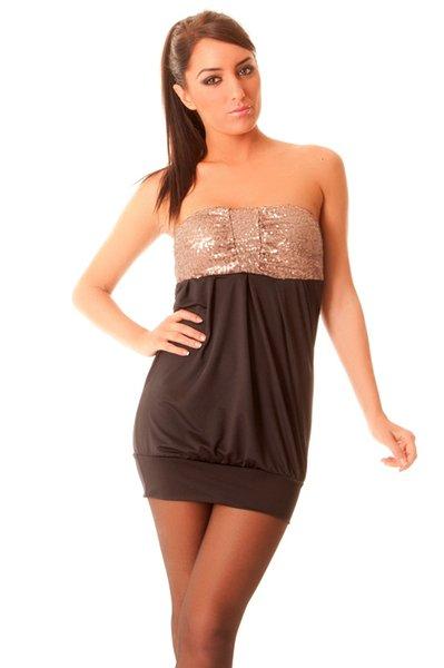 Belle robe avec strass et bretelles. 8243