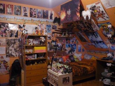 voila ma chambre que je partage a ma soeur sa fait bordel mais cest ranger xd bon cest sur chacun ses got aussi - Chambre En Bordel
