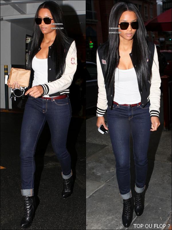 25/02/11: Ciara va rejoindre sa voiture pour rentrer à la maison après une longue journée de shopping.