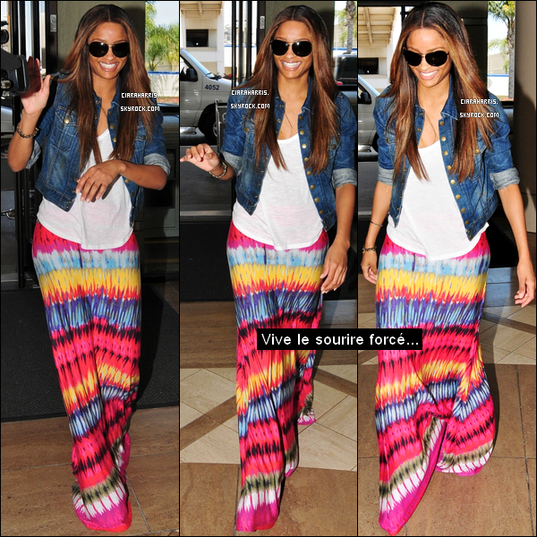 09/07/11: Ciara a été aperçue à l'aéroport de Los Angeles (LAX). Direction? MIAMI... Pour performer!