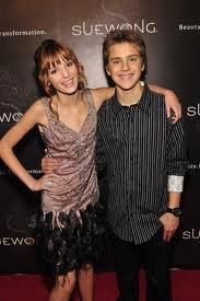 Bella et Garrett : amoureux
