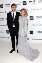 Miley Cyrus resplendissante à la soirée Elton John contre le sida !
