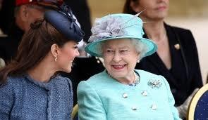 Kate Middleton: La reine Elizabeth II invite ses parents à fêter noël avec la famille royale