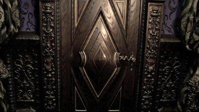 La porte à gauche 1