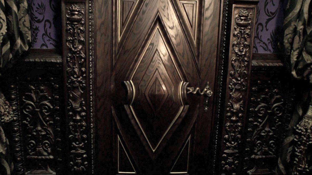 [x=#0069A0-#008800][align=left]La porte à gauche 1[/x][/align]