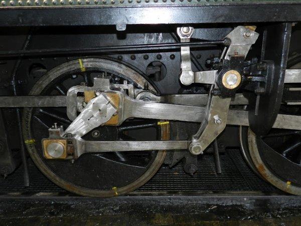 Une P.K.P - la TKt 48 87 à Mariembourg-.MOV