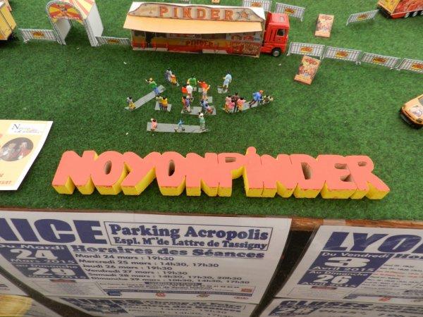 Le cirque NOYONPINDER  à Roye , c'était les 30 et 31 mai 2015 (1)