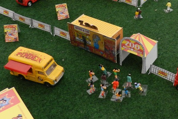 Le cirque NOYONPINDER à Roye , c'était les 30 et 31 mai 2015 (3)