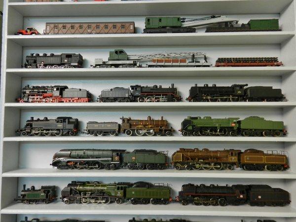 Mon réseau - Une étagère pour mes locos à vapeur (1)