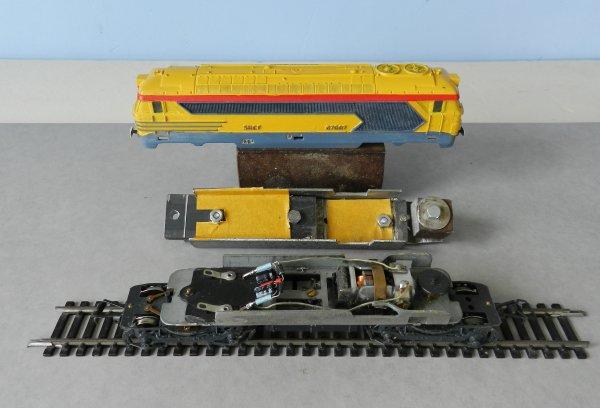 Mon réseau - Un train nettoyeur de rails à patins frotteurs (1)