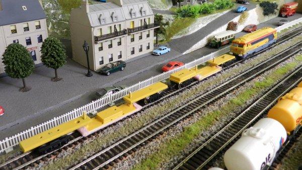 Mon réseau - Un train nettoyeur de rails à patins frotteurs (2)