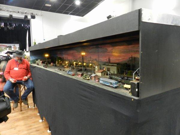 Ma visite à Tergnier Model'Expo 2016 - Un dépôt la nuit (1)