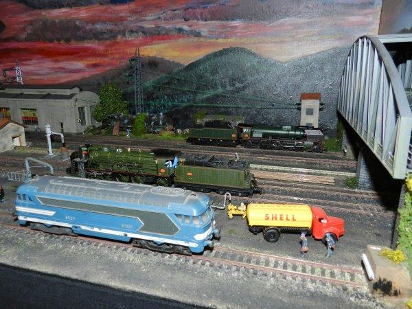 Ma visite à Tergnier Model'Expo 2016 - Un dépôt la nuit (3)