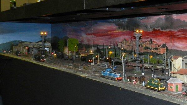 Ma visite à Tergnier Model'Expo 2016 - Un dépôt la nuit (4)