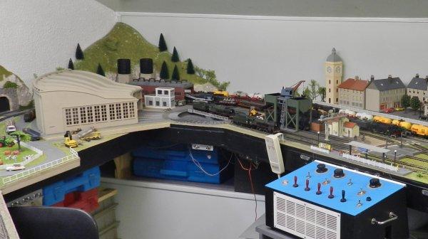 mon réseau -  La rotonde type P Jouef et son pont tournant  (4)